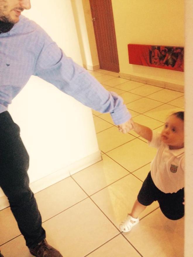 "Cris apurando a papá. ¡Ya vámonos!"". Me saltó la lágrima."